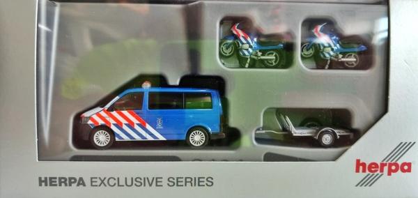 """VW T6 Bus mit Anhänger und 2 BMW Motorräder """"Marechaussee"""" NL"""