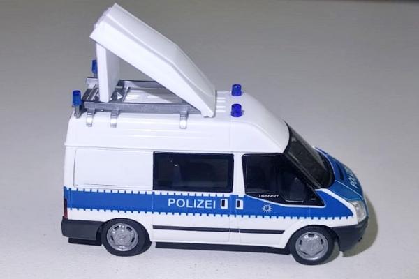 Polizei Bremen Sondermodell Ford Transit Sicherungskraftwagen der Verkehrsbereitschaft