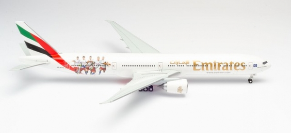 "Emirates Boeing 777-300ER ""Hamburger SV"" - Kennung: ""A6-EPS"""