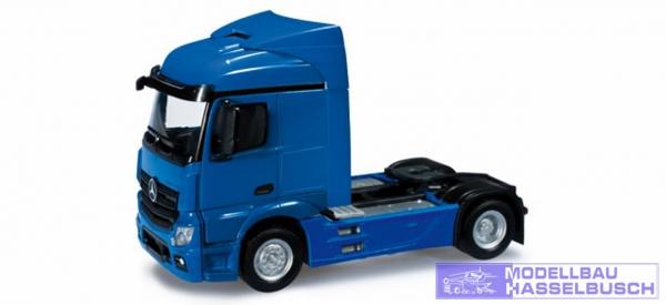 Mercedes-Benz Actros Streamspace Zugmaschine, enzianblau