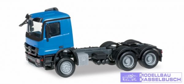 Mercedes-Benz Actros M 08 Allrad-Zugmaschine 3achs, verkehrsblau