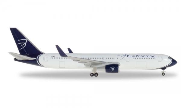 B767-300 Blue Panorama