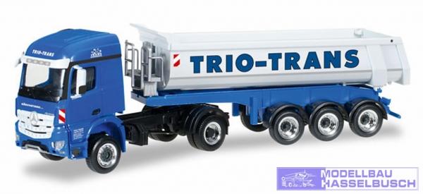 "Mercedes-Benz Arocs Rundmulden-Sattelzug ""Trio-Trans"""