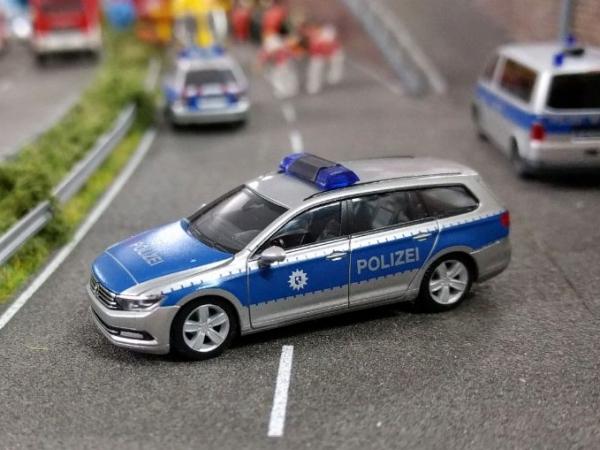 Polizei Bremen - VW Passat Variant (B8) Funkstreifenwagen