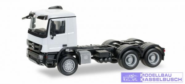 Mercedes-Benz Actros M 08 Allrad-Zugmaschine 3achs, weiß